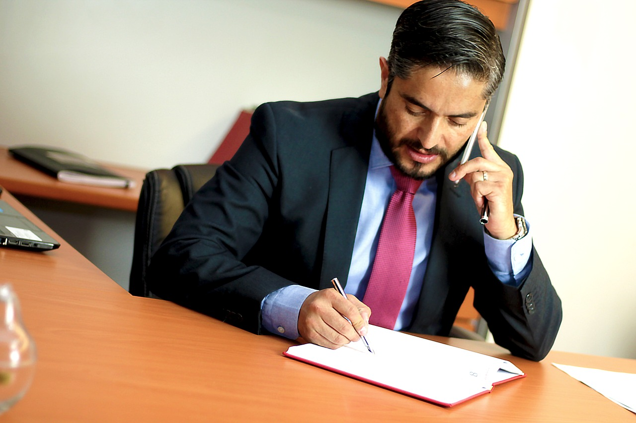 When You Should Contact an Attorney