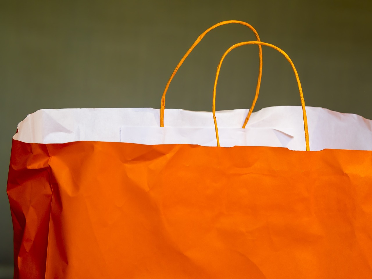 European paper bag day highlights the reasons why we should all get behind the paper bag drive